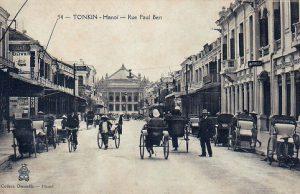 Một bức ảnh cổ về phố Tràng Tiền, Hà Nội.