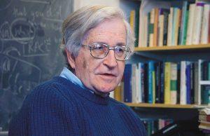 """Noam Chomsky là người nổi tiếng với nhận định: """"Thực chất Mỹ là một chế độ độc đảng"""""""